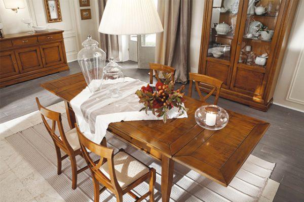MA-TA802 Tavolo rettangolare allungabile/Extendable square table (L.1600 x P.900 x H.770) - MA-SED801 Sedia 101/Chair 101 (L.440 x P.485 x H.920) - MA8115 Credenza con ante battenti/Dresser (L.1900 x P.500 x H.1000) - MA-8150 Vetrina con ante battenti/Display cabinet (L.1450 x P.440 x H.2100)